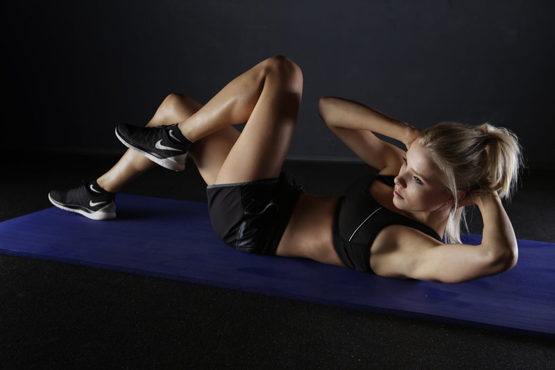 Simple Works Best: Doing Sit Ups And Crunches To Workout Abs