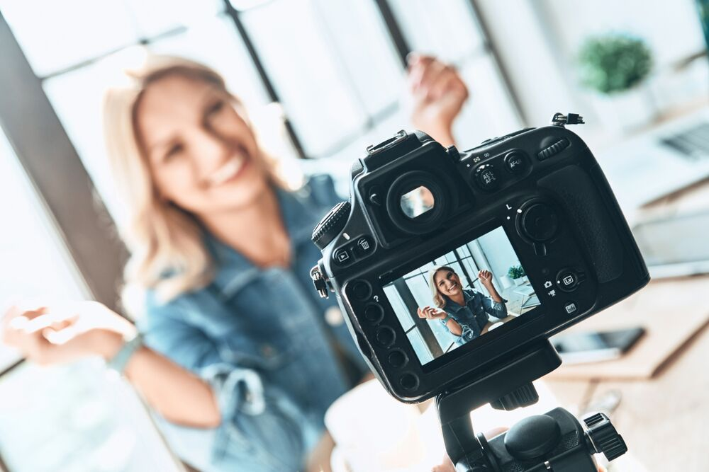 HOW TO CREATE SOCIAL MEDIA VIDEOS THAT SELL