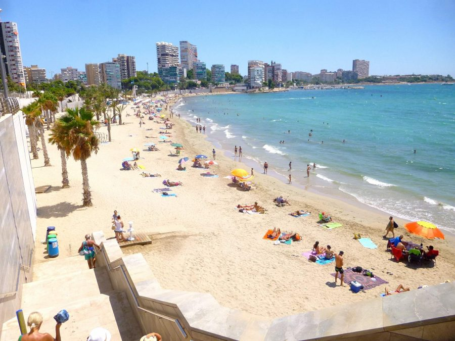 Beaches In Alicante: 6 Family-Friendly Spots to Go